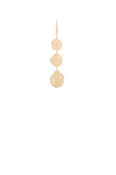 Afin Atelier Long Stingray Single Earring in Metallics.