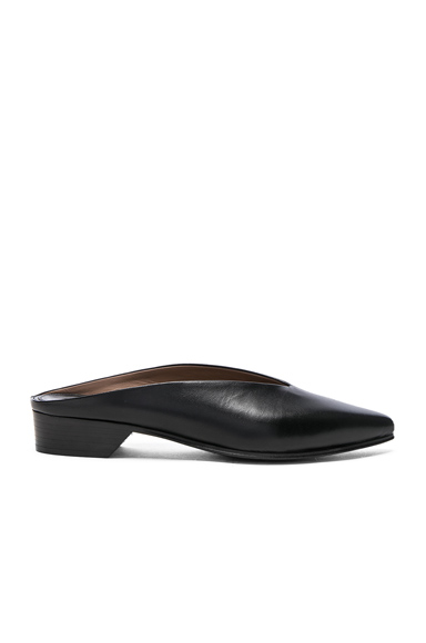 ALUMNAE Leather Pointy Almond Mules in Black