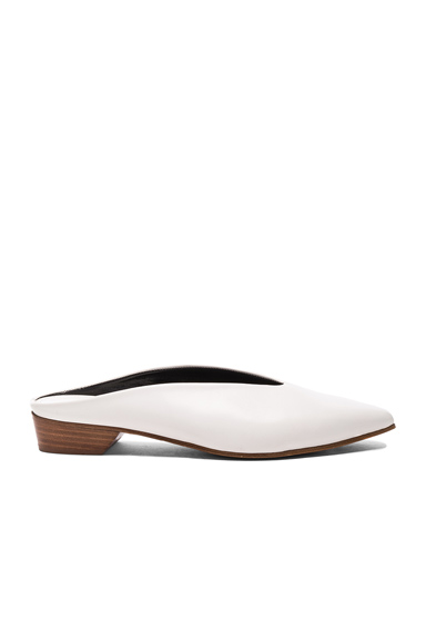 ALUMNAE Pointy Almond Mule in White
