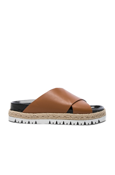 Marni Leather Fussbett Sandals in Brown