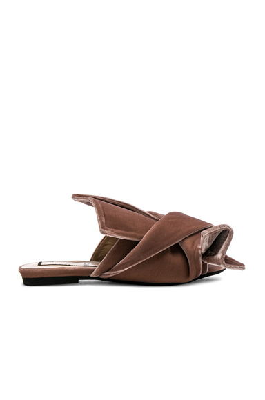 No 21 Velvet Bow Slides in Neutrals