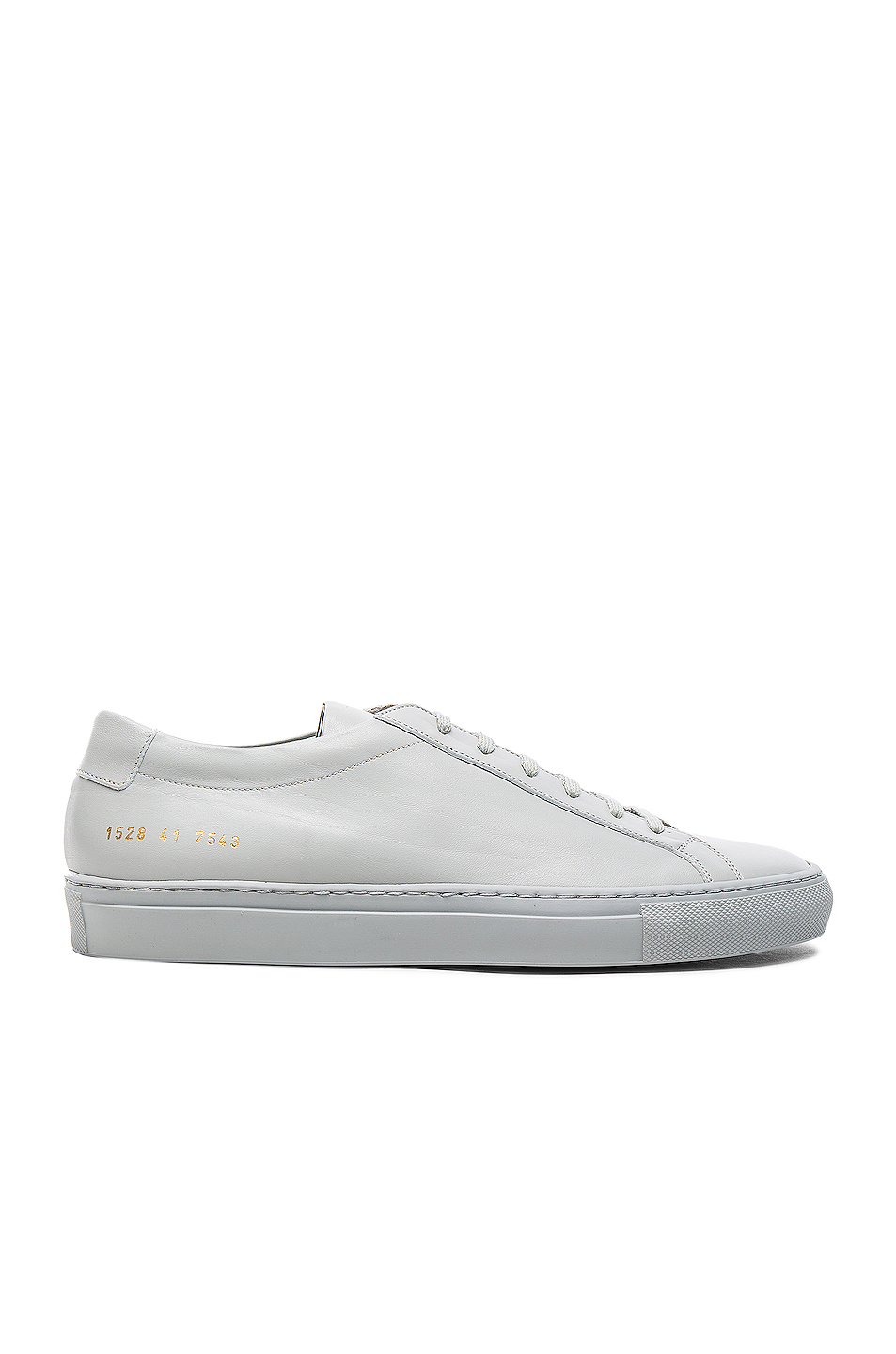 Common Projects Original Leather Achilles Low in Gray