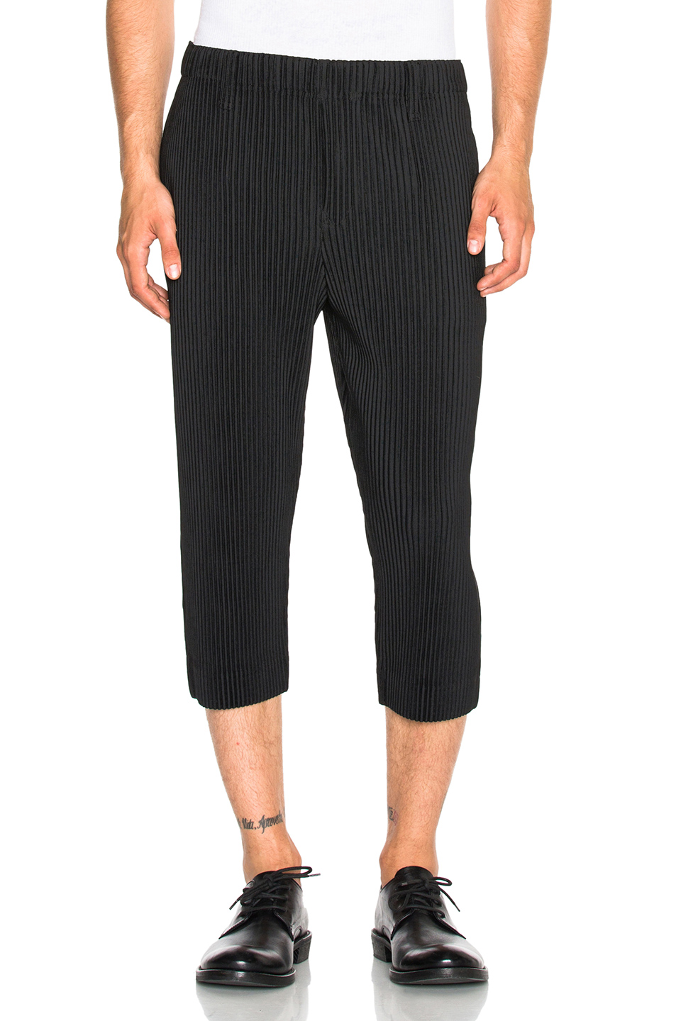 Issey Miyake Homme Plisse Pleated Cropped Trousers in Black