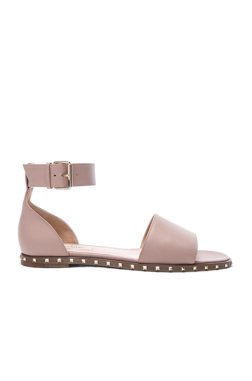 Valentino Leather Soul Rockstud Flat Sandals in Neutrals
