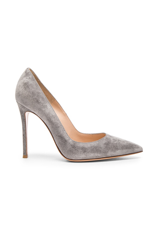 Gianvito Rossi Suede Gianvito Pumps in Fumo
