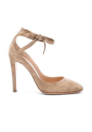 Gianvito Rossi Suede Carla Pumps in Bisque