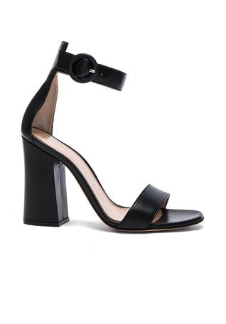 Gianvito Rossi Leather Versilia Sandals in Black
