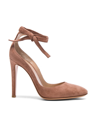 Gianvito Rossi Suede Carla Pumps in Praline