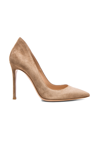 Gianvito Rossi Suede Gianvito Pumps in Bisque