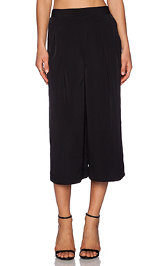 1. STATE Pleated Culottes en Rich Black