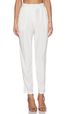 ADDISON Ciara Pleated Trousers in Milk