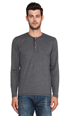 AG Adriano Goldschmied Commute Henley in Charcoal