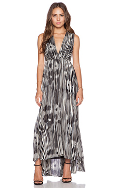 Alice + Olivia Lexa V Neck Ruched Maxi Dress in Abstract Woodgrain