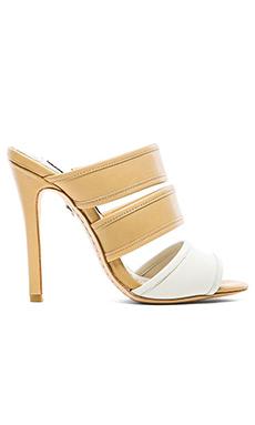 Alice + Olivia Graciella Vachetta Heel in White & Tan