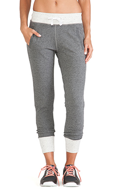 alo Verge Sweatpant in Dark Heather Grey & Natural Heather