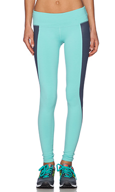 alo Illusion 3 Legging in Pool Blue & Ombre Blue Glossy