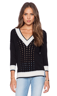 Autumn Cashmere Open Cable Tennis V Neck Sweater in Black & Sand Combo