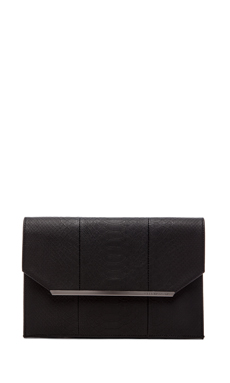 BCBGMAXAZRIA Kelly Envelope Clutch in Black