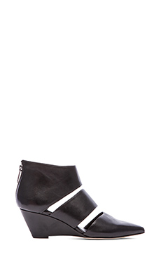 Belle by Sigerson Morrison Wagner Wedge in Black