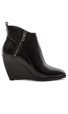 Belle by Sigerson Morrison Hadrara Bootie in Nero