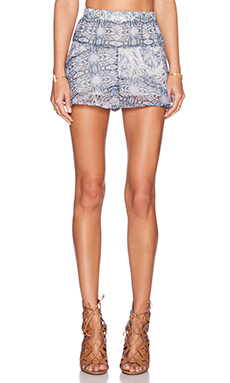 BCBGeneration Flirty Volume Short in Darkwave Combo