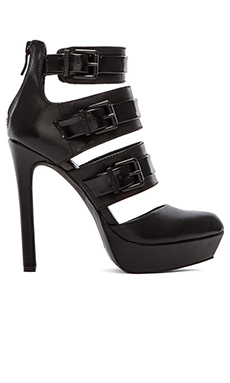 BCBGeneration Spotlight Heel in Black
