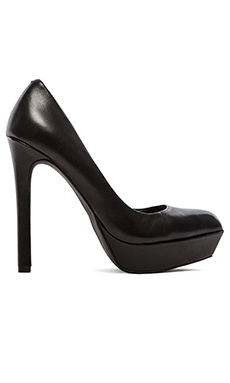 BCBGeneration Sochi Heel in Black