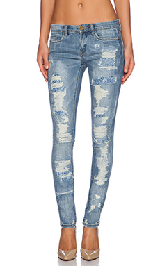BLANKNYC Distressed Skinny in Bits & Pieces