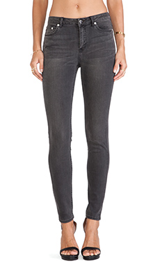 BLK DNM Jeans 22 in Fulton Black