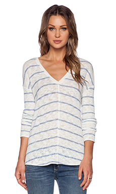 Bella Luxx Seamed Front V Neck Sweater in Curacao Stripe