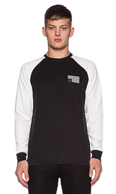 Black Scale Stingray II L/S Tee in Black