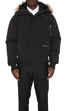 Canada Goose Chilliwack Bomber with Coyote Fur Trim in Black