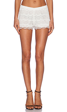 Candela Zuri Short in White