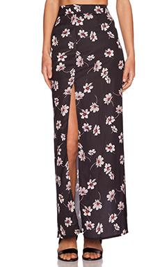 Capulet High Waist Side Slit Skirt en Black Floral