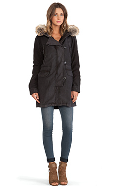 Citizens of Humanity Aspen Parka en Fade Black