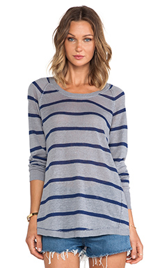 Chaser Striped Scoop Neck Shirt Tail in Navy & Heather Grey