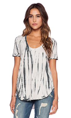 Chaser Strappy Shirttail Tee in Sand Dollar