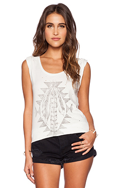 DAYDREAMER Tribal Feathers Tee in Cream
