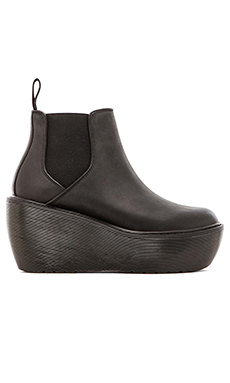 Dr. Martens Aerial Chelsea Boot in Black