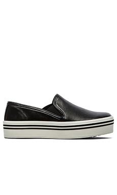 Dolce Vita Jinsy Sneaker in Black