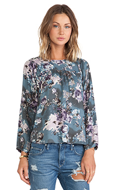 d.RA Orchid Top in Blue Floral