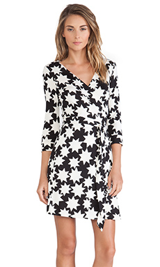 Diane von Furstenberg New Julian Two Wrap Dress in Vintage Stars White