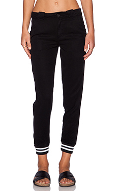 DWP Frida Jogger in Black