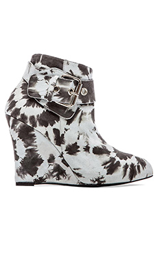 elysewalker los angeles Buckle Wedge Bootie in Charcoal & Grey