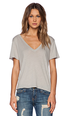 Enza Costa Boy Shortsleeve V Neck Tee in Grigio