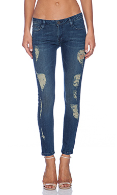 Etienne Marcel Distressed Skinny in Bleu