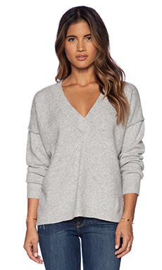 FRAME Denim Le Boyfriend Sweater in Gris