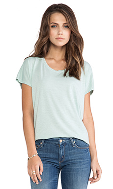 Feel the Piece Betsy Tee in Aloe
