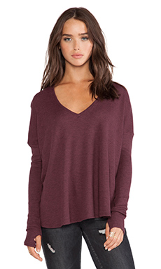Feel the Piece Robin Thermal Flowy Top with Thumb Holes in Wine