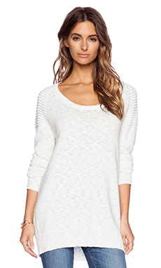 Fine Collection Ribbed Shoulder Sweater in Ivory